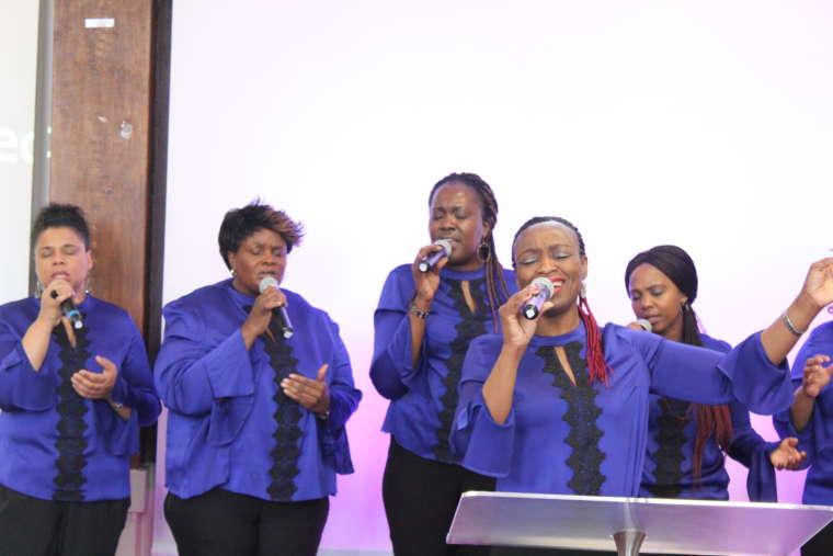 10TH ANNIVERSARY PRAISE & WORSHIP SERVICE